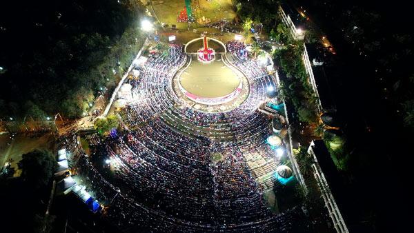 One lakh people meditated with Gurudev Sri Sri Ravi Shankar during Mahashivratri celebrations 2018