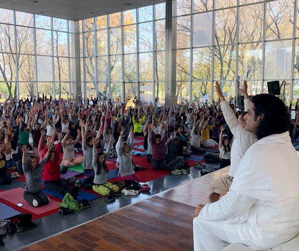 Argentina joins the 4th IDY celebrations with The Art of Living. Millions from 150+ countries joined The Art of Living's #promisetoyoga campaign