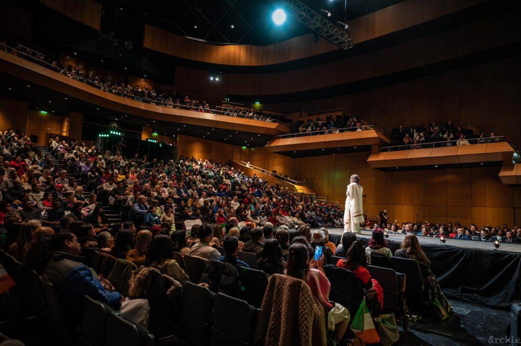 Ireland meditates - Sri Sri Ravi Shankar talk on meditation nov17