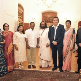 Sri Sri Welcomed by President of Maldives