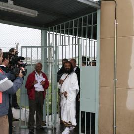 Sri Sri visits San Martin Prison