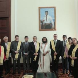 Colombia Hails Sri Sri for Peace Work