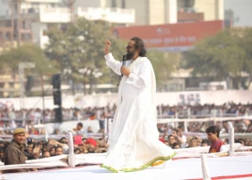 """""""Own Your Country"""", Gurudev to 100,000 youth in Kota"""